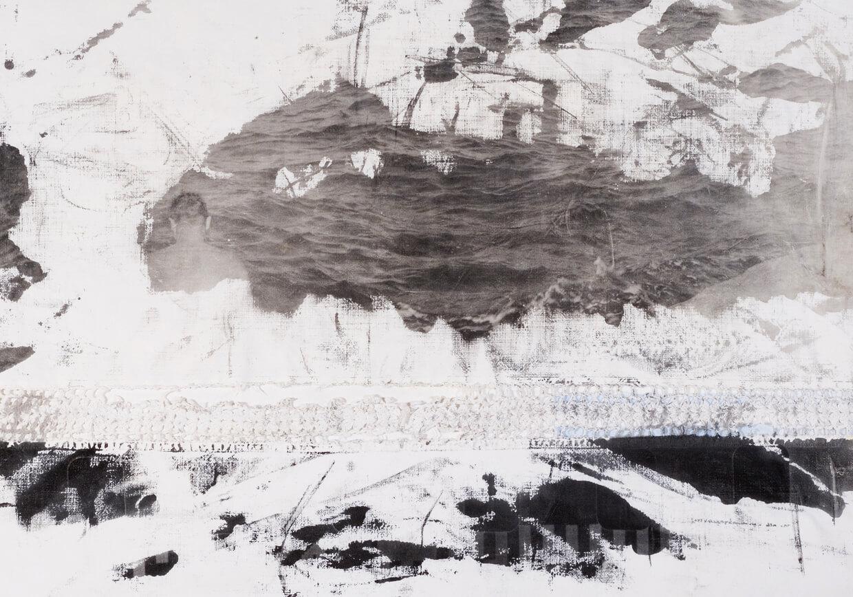 Francesco-Lopes-lacerazioni_09-stampa-fotografica-ai-sali-d'argento-su-tessuto-posata-a-mano-74-cm-x-48-cm-2018